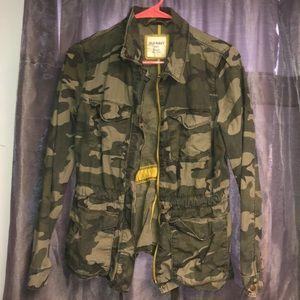 1cdc9f5e09 Women s Old Navy Camo Jacket on Poshmark